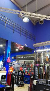 tienda mat guitar iluminada con led por electrica isbilya